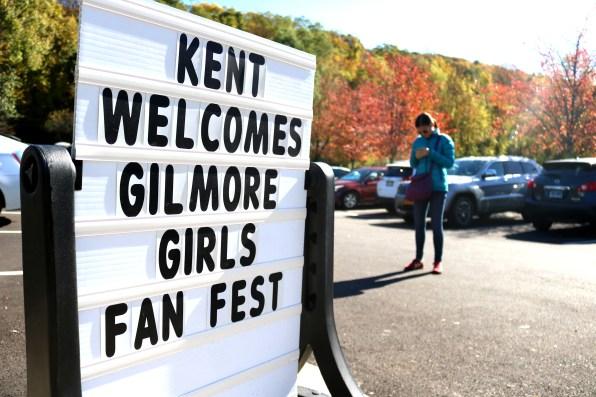 Finding Stars Hollow: Gilmore GIrls Fan Fest 2017