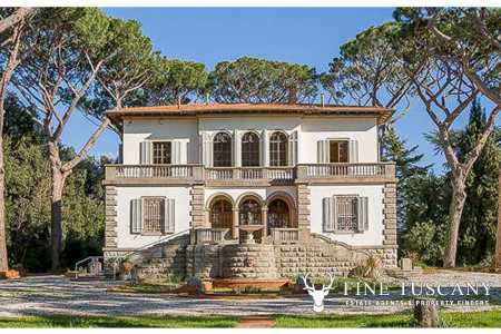 luxury villa with swimming pool for sale in tuscany italy 1