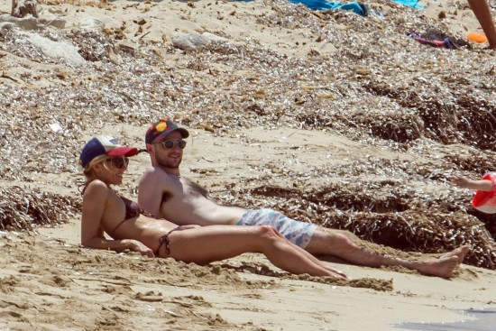Sienna-Miller-and-Tom-Sturridge