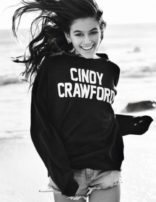 Cindy-Crawford-Kaia-Gerber-Vogue-Paris-April-2016-Cover-Photoshoot03