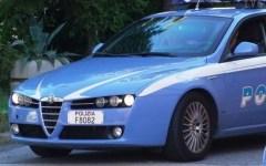 Inseguimento contromano sull'A11, la polizia recupera auto rubata