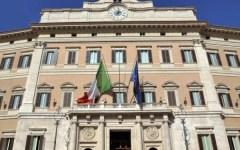 Spending review di Renzi: scendono gli stipendi dei dipendenti del Parlamento (potranno guadagnare solo ... quanto il Capo dello Stato)