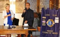 Carlo Conti premiato dal Lions nella sua Firenze