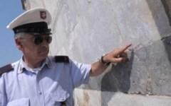 Incide il muro del Duomo di Pisa, chiede scusa alla città