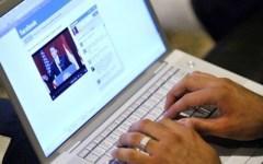 Pisa, vigilessa denuncia su Facebook: «Quella dirigente fa shopping in orario di lavoro»