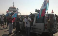 Lucchini: sciopero e corteo, tuffo in mare per gli operai