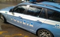 Arezzo: alla guida di un'auto rubata speronano una vettura, due arresti