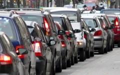 Smog, cala la concentrazione ma ancora troppe auto nelle città