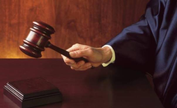 Il gup del tribunale di Grosseto ha rinviato a giudizio i genitori del piccolo di 5 anni