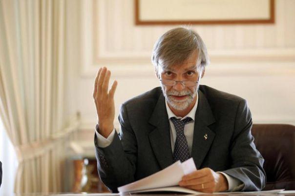 Il ministro Delrio sembra dire: buonanotte alla mia legge