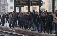 Maltempo, frana sulla Firenze Arezzo: 11 treni bloccati