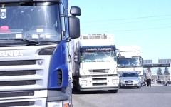 La protesta degli autotrasportatori: «Bloccheremo l'Italia»