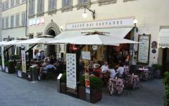 Natale, il più antico caffè di Arezzo diventa una mensa per i poveri