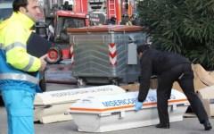 Incendio nella fabbrica di cinesi a Prato, 7 morti. Crollano i loculi dove vivevano