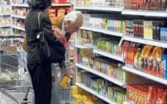 Consumi: non si arresta la frenata, -2,3% nel 2013