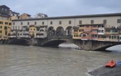 Arno, batticuore a Firenze e Pisa: altre 72 ore di pioggia