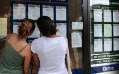 Firenze, in cerca di lavoro: a «Jobbando» giovani ma anche mamme col passeggino