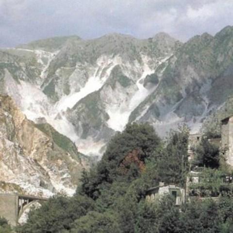 Le Alpi apuane in provincia di Massa Carrara