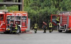 Prato, incendio in un capannone cinese: ustionata una donna