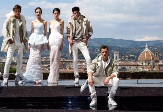 """Pitti Uomo 2014, modelli di Ermanno Scervino per """"The White Renaissance"""" al Forte Belvedere"""