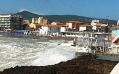 Toscana, forti mareggiate. Allerta della protezione civile fino alle 24