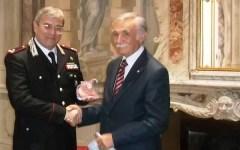 Medaglia d'argento del Consiglio Regionale al generale Mosca che lascia il comando Carabinieri Toscana