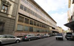 Firenze: raid vandalico in via Masaccio. Bucate le gomme di 12 auto