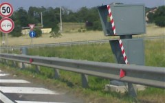 Autovelox: col nuovo Codice della strada obbligatorio un cartello di preavviso almeno 300 metri prima