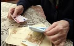 Pensioni, scandalo: il blocco della rivalutazione degli assegni ha sottratto agli anziani 9,7 miliardi di euro