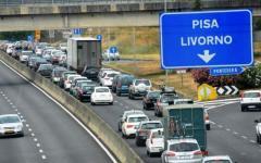 Pontedera, superstrada Fi-Pi-Li: camion precipita da un cavalcavia