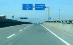Firenze-Pisa-Livorno: 79enne entra in superstrada contromano e si scontra con un'altra auto