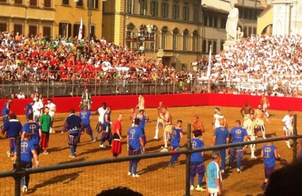 Calcio Storico 2015: semifinale Azzurri-Bianchi