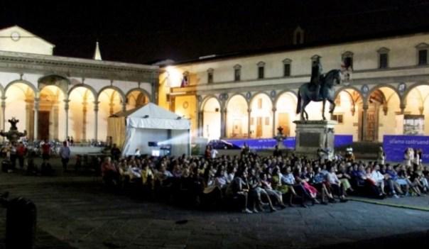 Firenze, cinema d'estate in piazza Santissima Annunziata