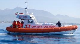 La motovedetta Sar Cp 813 impegnata nelle ricerche