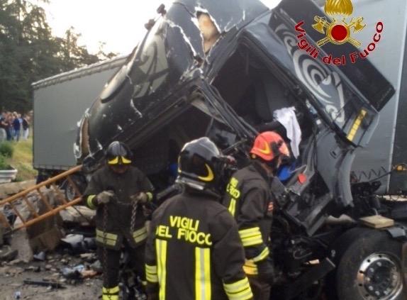 Il grave incidente sull'A1 tra Incisa e Firenze Sud
