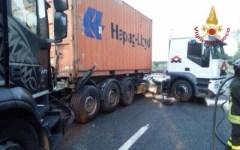 Incidente stradale tra camion blocca la Fi-Pi-Li tra Santa Croce e San Miniato verso Firenze