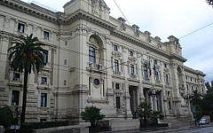 Scuola, riforma: raid vandalico a Firenze, protesta degli studenti in tutt'Italia