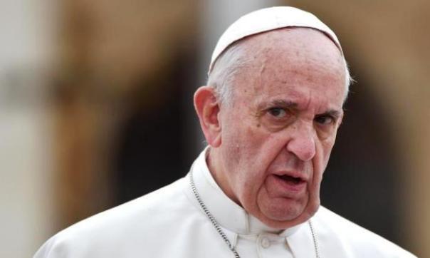 Papa Francesco al centro dell'attenzione per le sue condizioni di salute