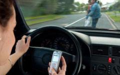 Firenze, troppi incidenti stradali causati dai selfie alla guida. L'allarme del Questore Micillo