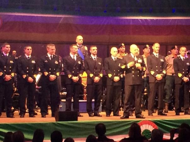 Il capo di Stato Maggiore ammiraglio De Giorgi con alcuni comandanti delle unità navali