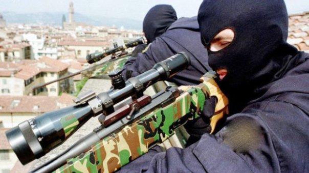 Vertice Nato a Firenze, tiratori scelti sui tetti