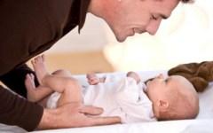 Lavoro, Inps: aumentano i congedi parentali degli uomini (+35% rispetto al 2010)