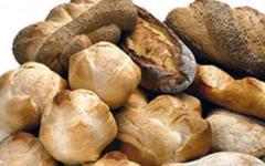 Giornata dell'alimentazione: gli italiani non mangiano più pane. Consumo dimezzato in 10 anni (Foto)