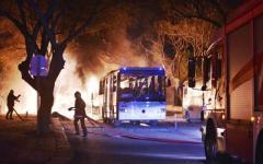 Turchia, attentato ad Ankara. Esplode un'autobomba: decine di morti e feriti
