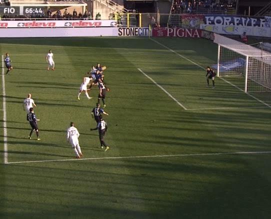 Il gol, di testa, di Mati Fernandez che sblocca il risultato (Foto Sport Mediaset)