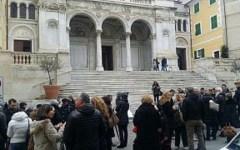 Massa: fedeli contro ex parroco della Lunigiana per questione di soldi. Incontro con la Curia che sta indagando