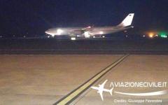 """Renzi: atterrato a Fiumicino l' """"Air Force One"""" del Premier. E' un Airbus 340 acquistato in leasing da Etihad"""