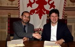 Firenze: patto di cittadinanza con l'Islam firmato dal Sindaco Dario Nardella e dall'Imam Izzedin Elzir