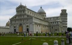 Pisa: ragazzo tedesco  trovato morto in Piazza del Duomo. Mistero sulle cause del decesso