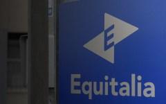 Equitalia: sospesa dall'8 al 22 agosto la notifica di 360.000 cartelle